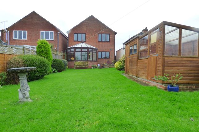 Thumbnail Detached house for sale in Bretforton Road, Badsey, Evesham