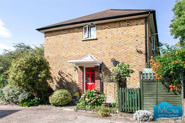 Picture No. 04 of Cromwell Close, East Finchley, London N2