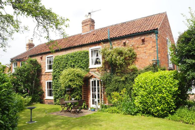Thumbnail Cottage for sale in Crewsdon Cottage, 2 West End, Farndon