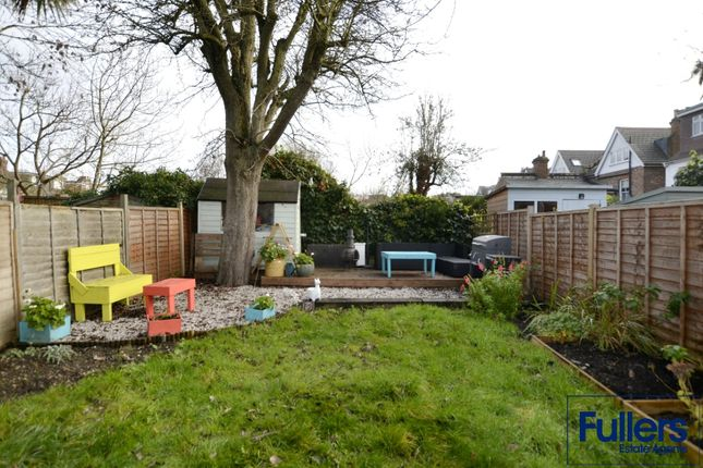 Flat for sale in Hoppers Road, Winchmore Hill