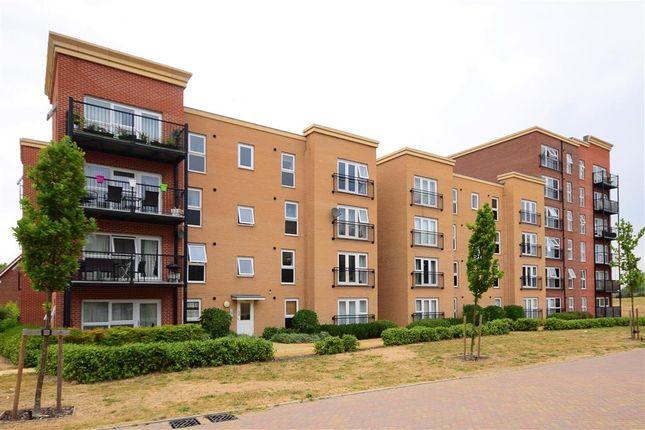 Thumbnail Flat for sale in Blake Avenue, Basildon, Essex