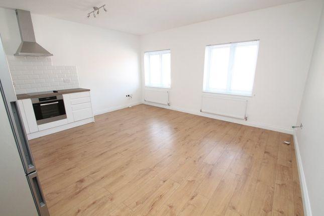 1 bed flat to rent in Peach Street, Wokingham, Berkshire
