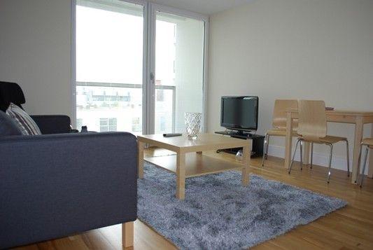 Living Room of Cobalt Point, Lanterns Court, Canary Wharf E14