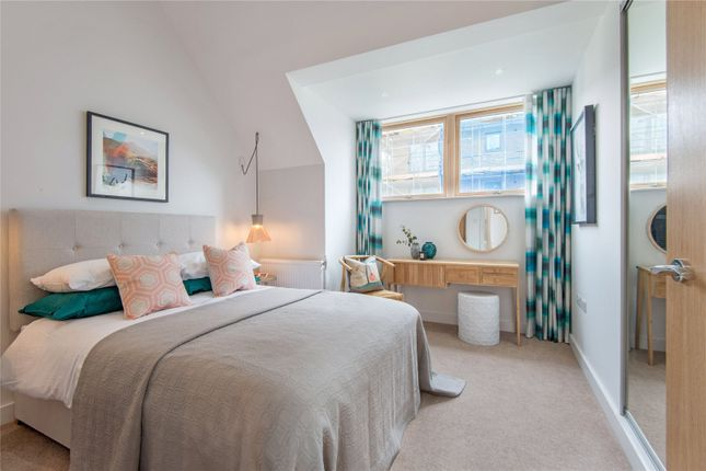 Thumbnail Room to rent in Grantley Street, London