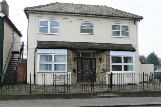 1 bed flat to rent in High Street, Addlestone KT15