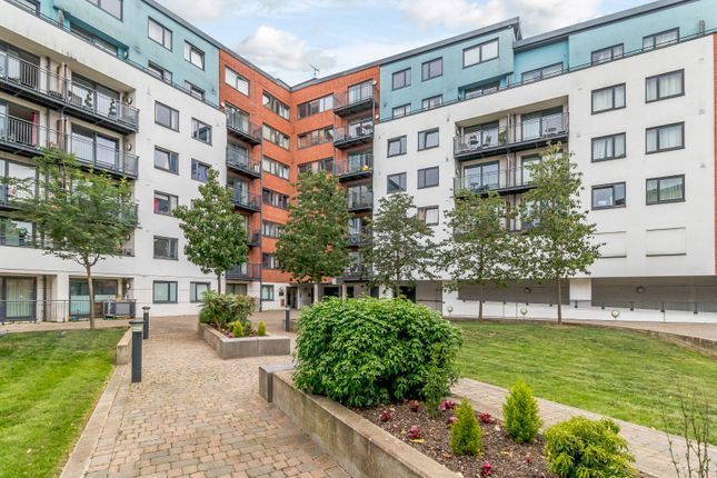 Thumbnail Flat for sale in The Courtyard, The Atruim, Camberley
