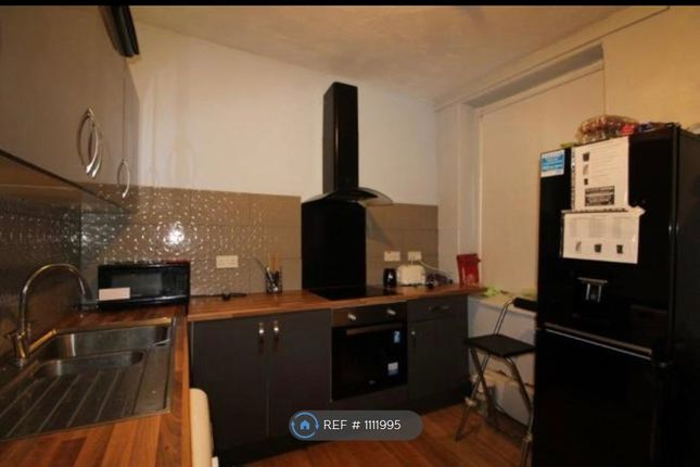 Room to rent in Brook Street, Treforest CF37