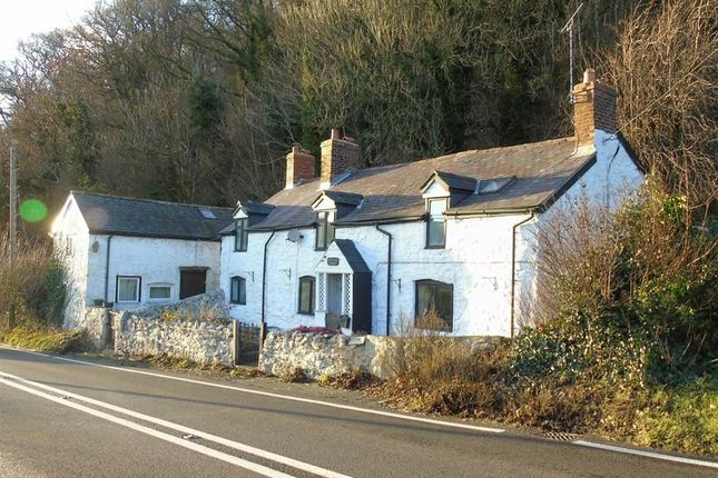 Thumbnail Cottage for sale in Golfa Bank Cottage, Trewern, Welshpool, Powys