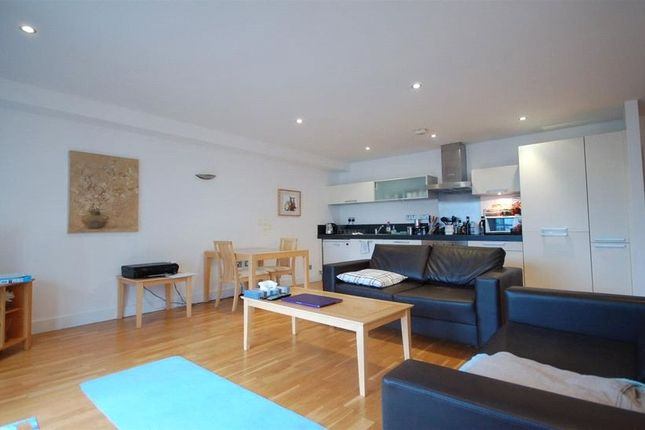 Thumbnail Flat for sale in St. James Wharf, Forbury Road, Reading