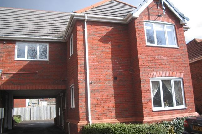 Thumbnail Flat to rent in College Green, Yeovil