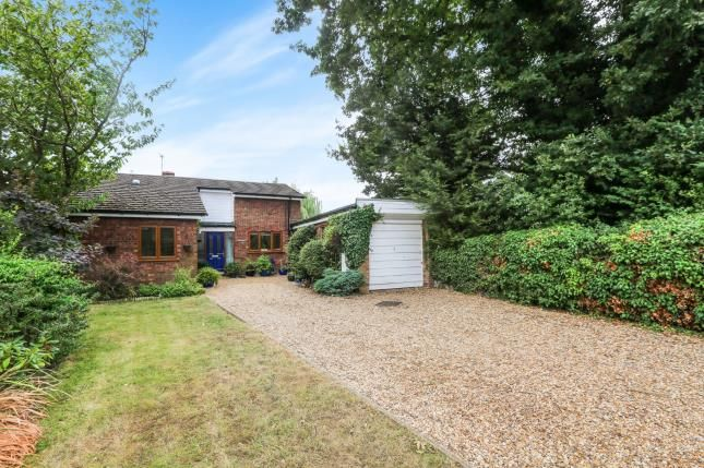 Thumbnail Bungalow for sale in High Road, Broom, Biggleswade, Bedfordshire