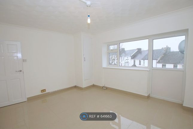 Thumbnail Flat to rent in The Hendre Flats, Brynmawr, Gwent