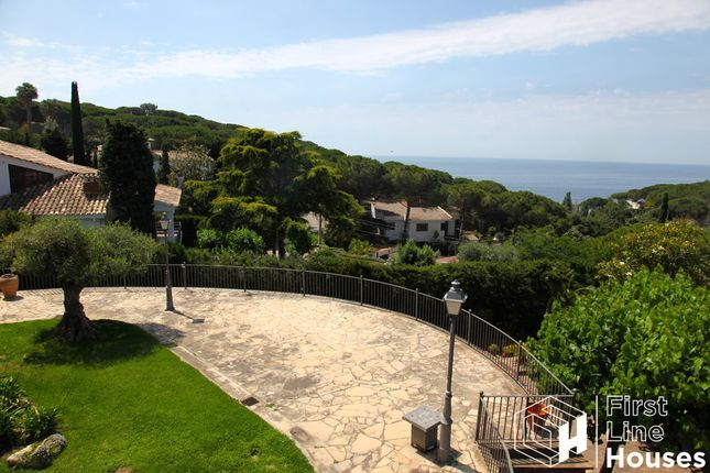 Thumbnail Villa for sale in La Montgoda, Lloret De Mar, Costa Brava, Catalonia, Spain