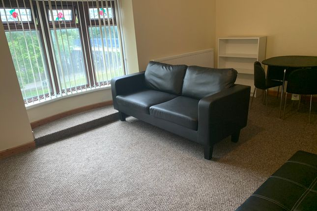 Thumbnail Flat to rent in Port Tennant Road, Swansea