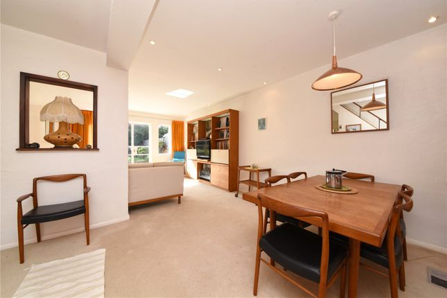 Picture No. 07 of Howcroft Crescent, London N3