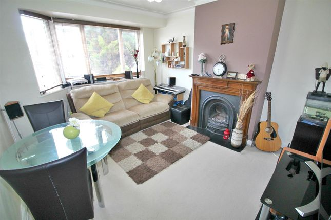 Thumbnail Maisonette for sale in Canonbury Road, Enfield