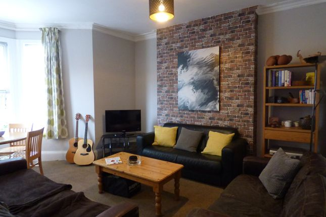 Thumbnail Shared accommodation to rent in May Terrace, Plymouth