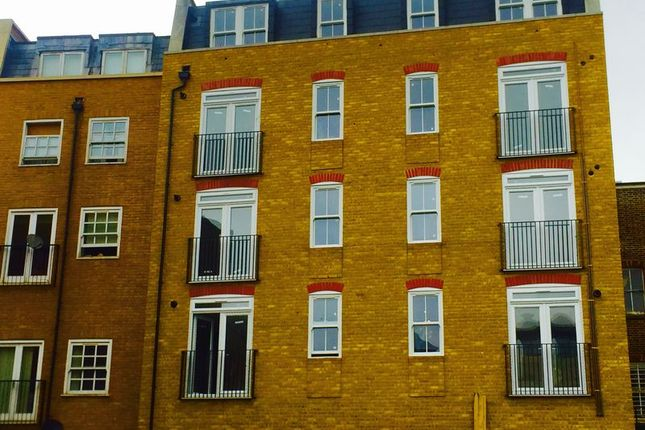 Thumbnail Flat for sale in Station Road, Redhill