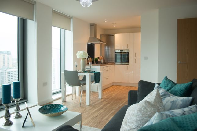 Thumbnail Flat to rent in Michigan Avenue, Salford
