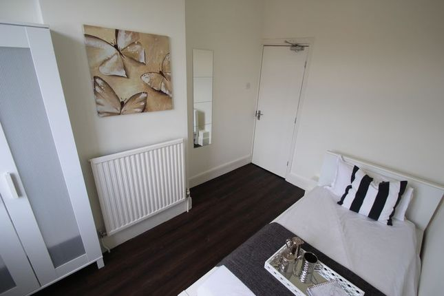 Thumbnail Shared accommodation to rent in Allen Road, Abington, Northampton