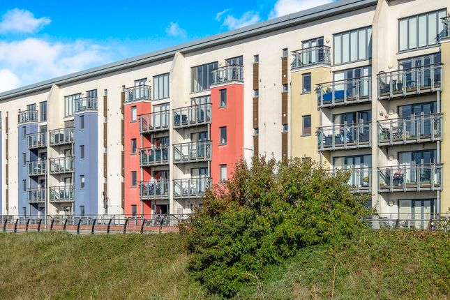 Thumbnail Flat to rent in St. Margaret's Court, Maritime Quarter, Swansea