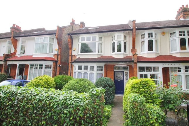 Thumbnail Flat for sale in Oakfield Road, London