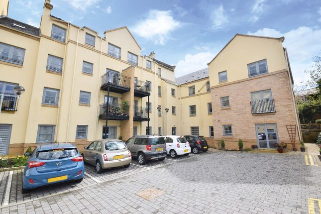 Thumbnail Flat for sale in Templars Court, Linlithgow