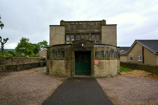 Thumbnail Detached bungalow to rent in Holmfirth Road, New Mill, Holmfirth