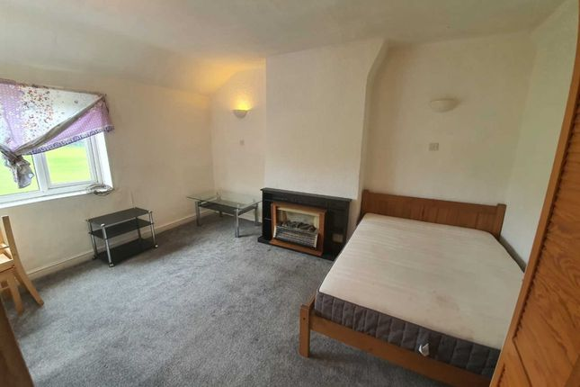 Studio to rent in Cronkeyshaw Road, Rochdale OL12