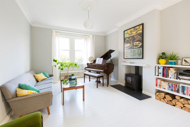 Thumbnail Property to rent in Leyspring Road, London