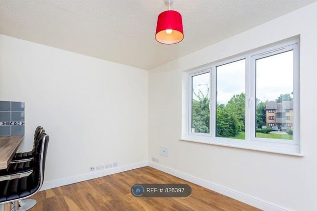 Living Room of Cricketers Close, Erith DA8