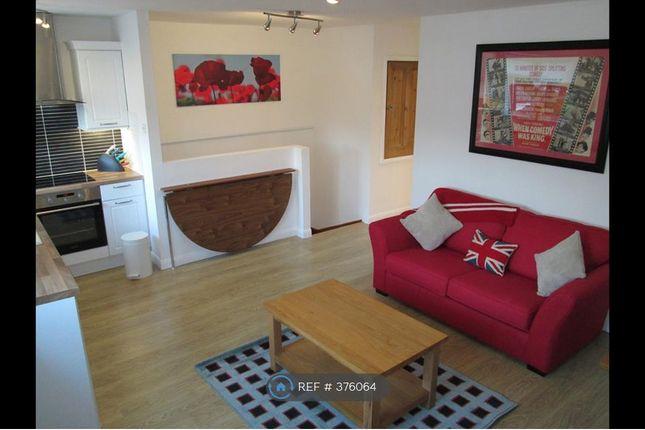 Thumbnail Flat to rent in Roke Road, Kenley