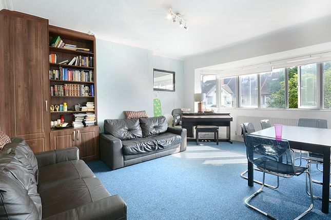 4 bed flat to rent in St Marys Road, London