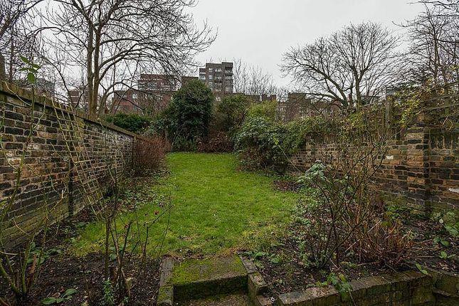 Thumbnail Flat to rent in Disraeli Road, Putney