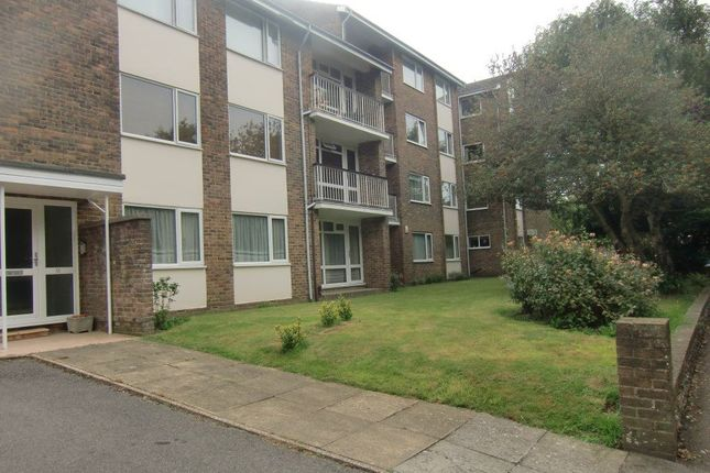 2 bed flat to rent in The Manor, Manor Road, Worthing