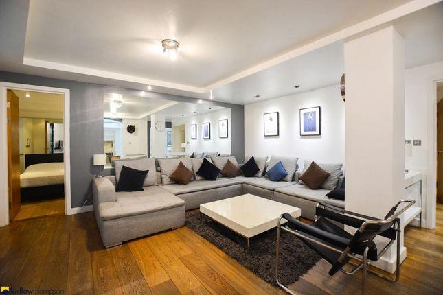 Thumbnail Flat to rent in Martin Lane, London