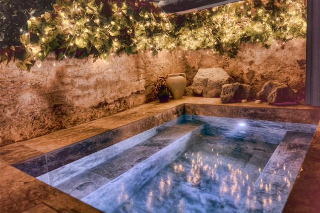 Hot Tub of Chipping Sodbury, Bristol, Gloucestershire BS37