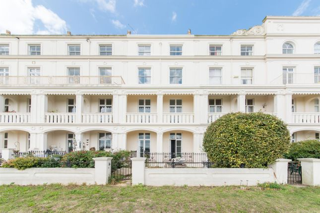 Thumbnail Flat to rent in Westcliff Terrace Mansions, Pegwell Road, Ramsgate