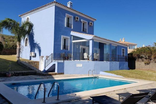 Thumbnail Villa for sale in La Duquesa, Manilva, Manilva