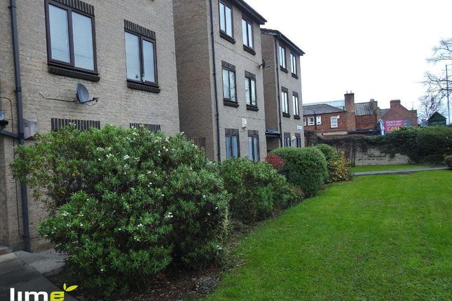 Thumbnail Studio to rent in Wenlock Court, Anlaby Road