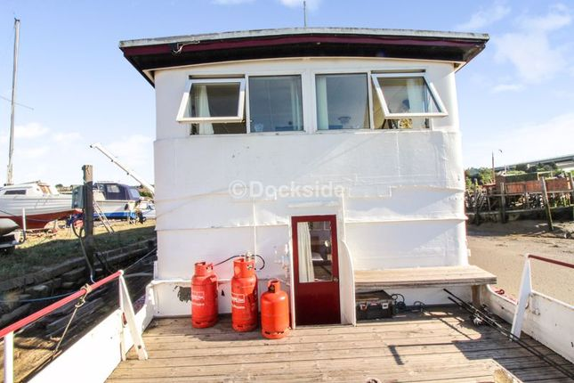 Thumbnail Houseboat for sale in Manor Lane, Borstal, Rochester