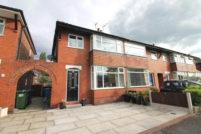 3 bed semi-detached house to rent in Amersham Close, Urmston, Manchester M41