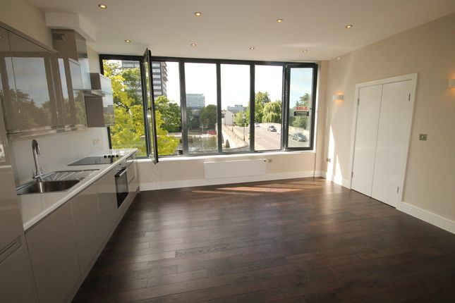 Thumbnail Flat for sale in Flat 14 Swan House, The Embankment, Bedford