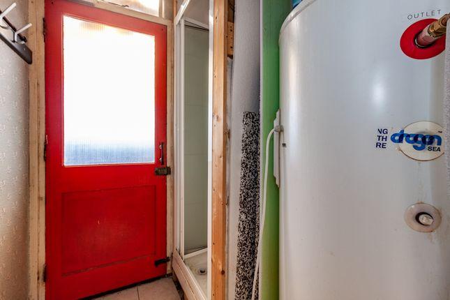 Shower Room of Newcastle Road, Reading, Berkshire RG2