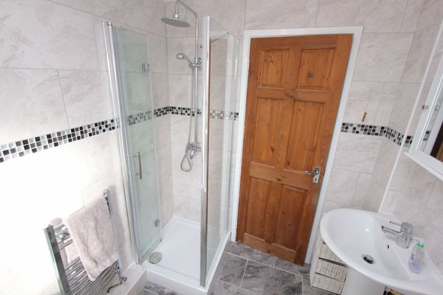 Bathroom/WC And Shower