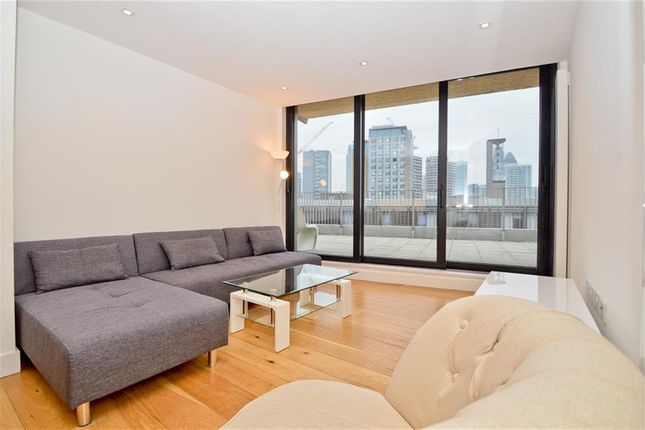 Thumbnail Flat to rent in Plumbers Row, London
