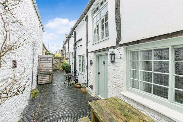 High Street, Burford, Oxfordshire OX18