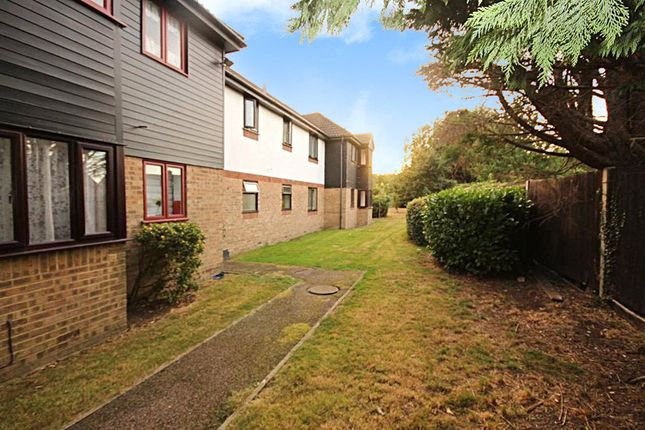 Thumbnail Flat for sale in Copperfields, Laindon, Essex