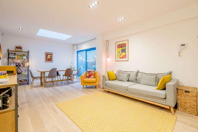1 bed flat for sale in Barretts Grove, London N16