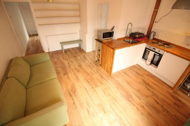 Thumbnail Flat to rent in Henley Street, Bramley, Leeds